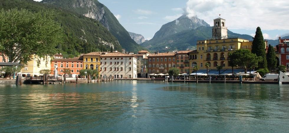 Activités, loisirs et transports Grands lacs italiens - Grands lacs italiens -